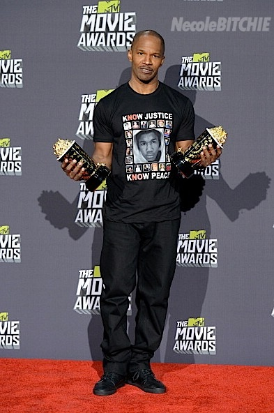 Jamie Foxx wears a kNOw justice shirt featuring Trayvon Martin and the Sandy Hook children at the 2013 MTV Awards.